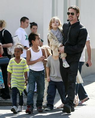 Brad-pitt-kids-cali-home-visit-ftr